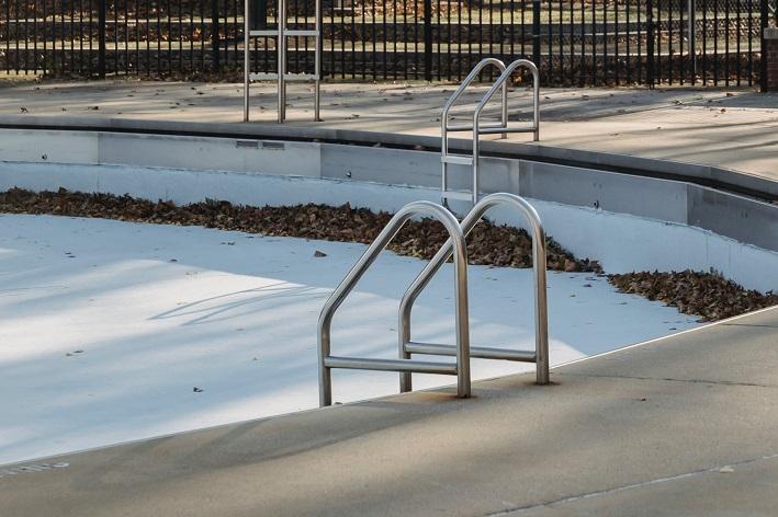 como esvaziar piscina